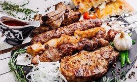 ארוחת בשרים כשרה במסעדת קאזה