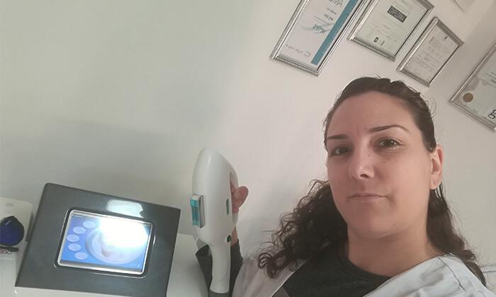 5 טיפול פנים בקליניקת שרון קוסמטיקה מתקדמת, אזור