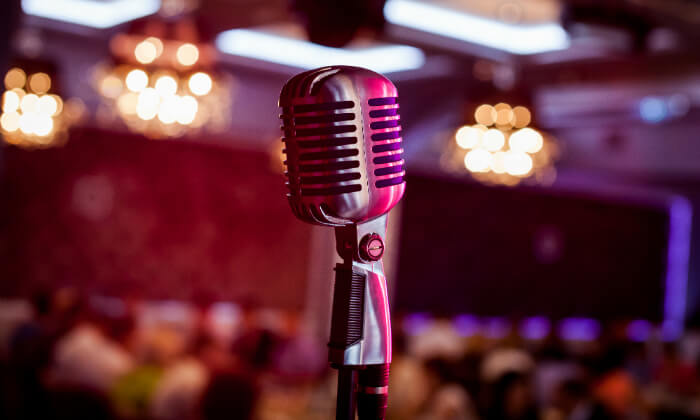 """2 חופשה והופעה של אנדרה ריו בסופיה בסופ""""ש שבועות"""