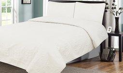 כיסוי מיטה ושני כיסויי כריות