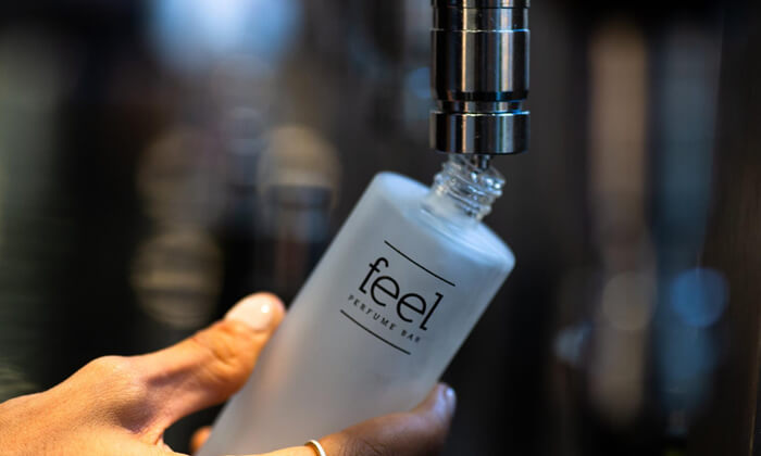 4 רשת Feel Perfume Bar, בר בשמים במגוון קניונים ברחבי הארץ - בקבוק בושם לבחירה