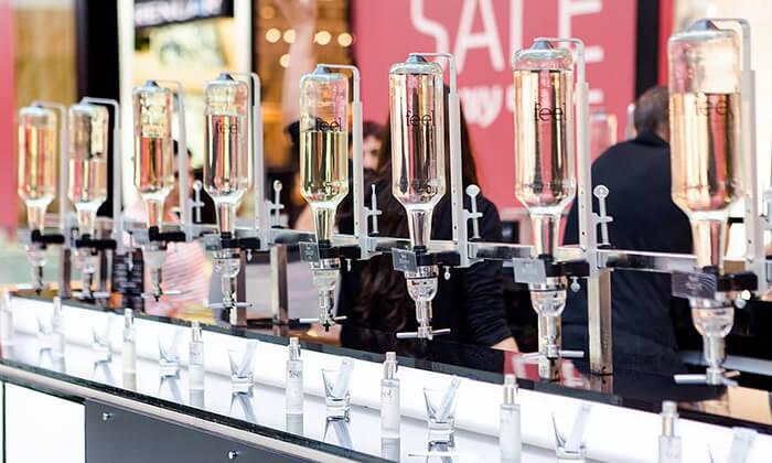 2 רשת Feel Perfume Bar, בר בשמים במגוון קניונים ברחבי הארץ - בקבוק בושם לבחירה