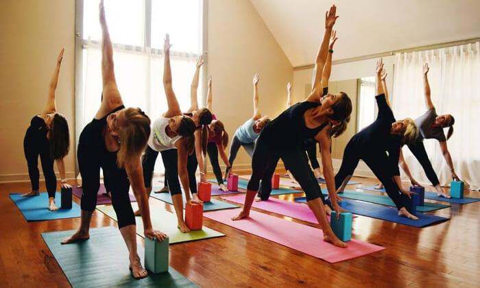 2 שיעורי יוגה ב-YAM מרכז יוגה ורפואה משלימה, חיפה
