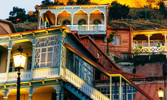 3 טיול מאורגן לגאורגיה, כולל טיול ג'יפים, ערבי פולקלור ועוד. כולל חגים