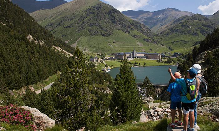 2 טיול בהרי הפירנאים - מתחילים עם נופים מסיימים עם שופינג