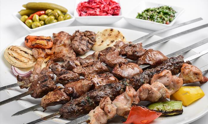 2 ארוחת בשרים במפגש הסטייק, אבן גבירול
