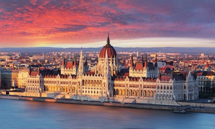 """12 חופשה בבודפשט - מלון 5 כוכבים מומלץ ומרכזי על גדת נהר הדנובה, כולל סופ""""ש"""