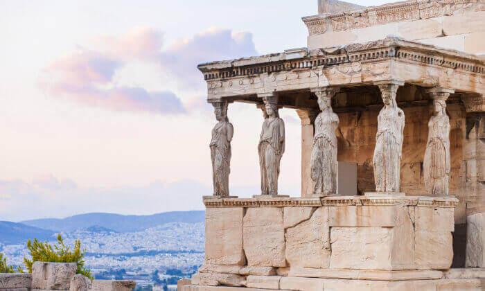 4 חופשה יוונית שמחה במיוחד עם ניקוס ורטיס באתונה