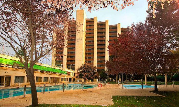 3 חופשה זוגית אורבנית בגני ירושלים - מלון וספא