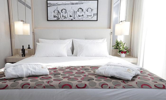 """4 חופשה במלון אסטרל מאריס, כולל טיסות - תקף גם בסופ""""ש"""