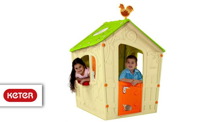 2 כתר: בית משחק לילדים בעיצוב טירה