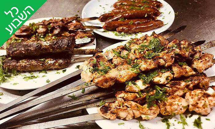 2 ארוחת שיפודים זוגית במסעדת קאזה ביץ', טיילת בת ים
