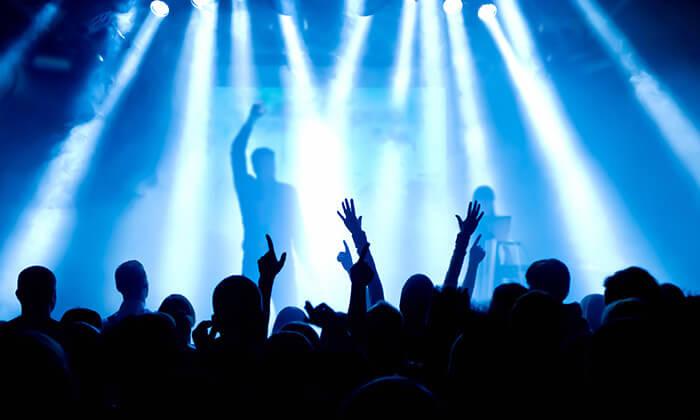2 כרטיס להופעה של מארון 5 בפראג - להיט השנה בלייב בגולדן רינג!