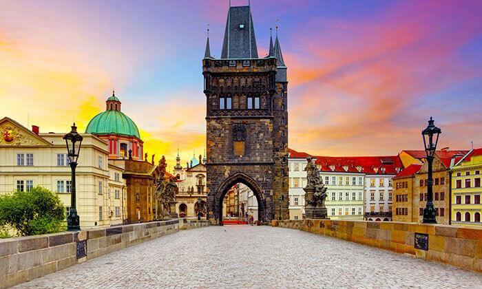 6 כרטיסים למיוז בפראג - מופע מחשמל וחוצה גלקסיות!