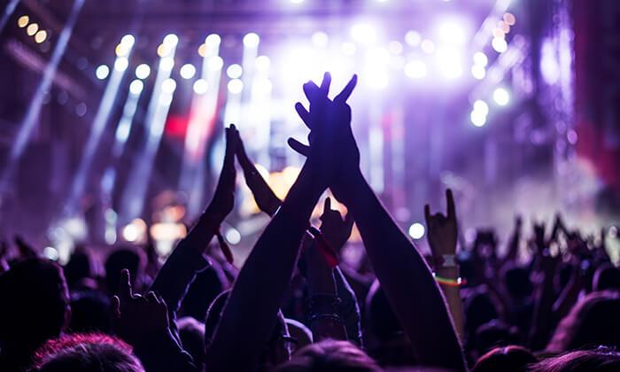 3 כרטיס לסטינג בלטביה - היוצר הבריטי במופע מפוצץ להיטים!