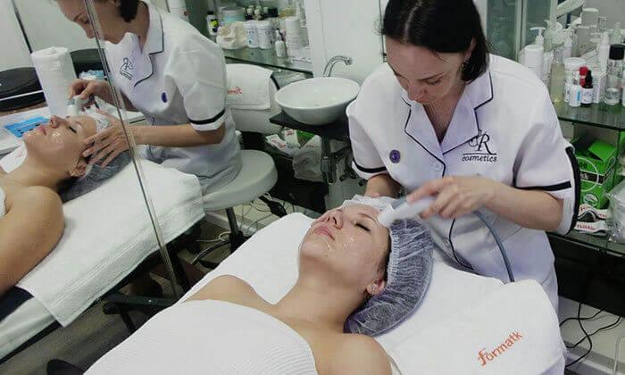 5 טיפולי פנים בקליניקת 'קוסמטיקה בעין רפואית', פתח תקווה