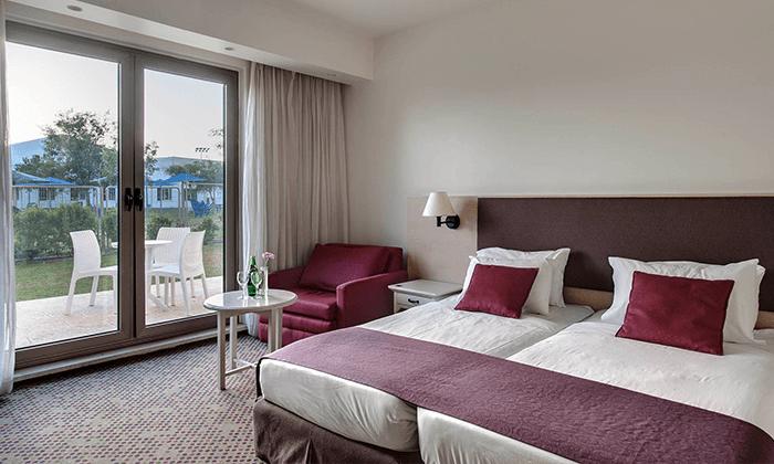 4 מלון רמת רחל מול הנופים של הרי יהודה, כולל 2 טיפולי ספא ופינוקים