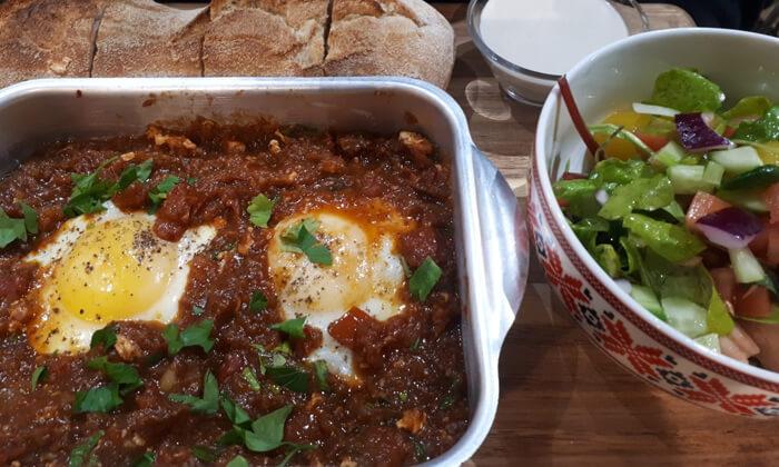 12 ארוחת בוקר זוגית ב-zizo cafe דרך שלמה תל אביב