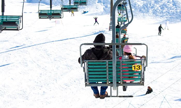 4 קופון לחרמון: כרטיס סקי יומי כולל ציוד