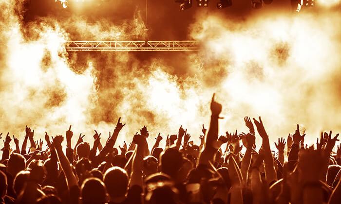 2 חופשה והופעה: להקת The Cure בבוקרשט