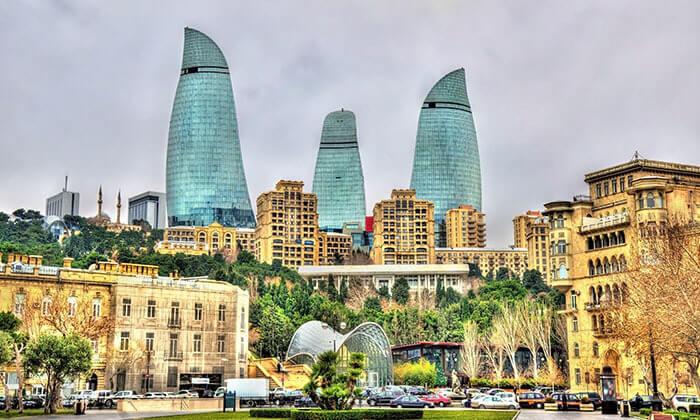 """9 יוני-אוגוסט בבאקו, אזרבייג'ן - שילוב מושלם של פריז ודובאי, כולל סופ""""ש"""