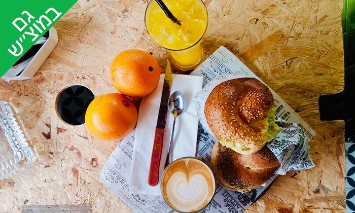 """5 כריך ושתייה בקפה סונדר, שוק הכרמל ת""""א"""