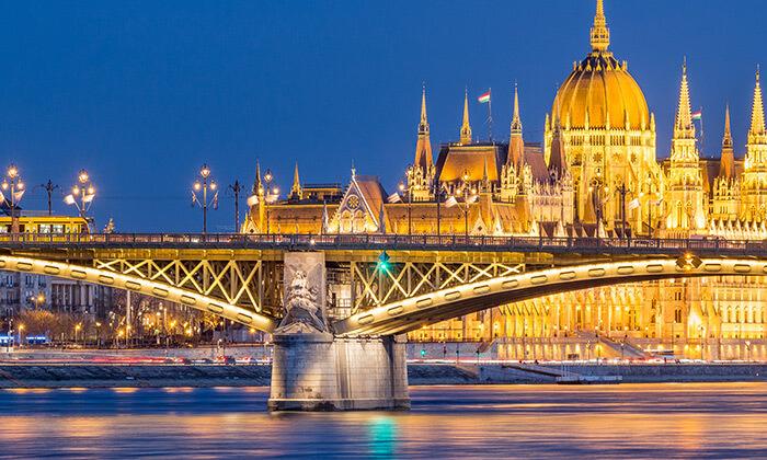 """4 סופ""""ש עם אנדראה בוצ'לי בבודפשט"""