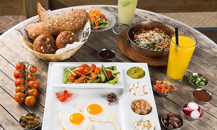 7 ארוחת בוקר זוגית במסעדת ארמאיס, אשדוד