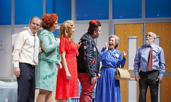 10 יש רופא באולם - כרטיסים להצגה בתיאטרון הבימה, תל אביב