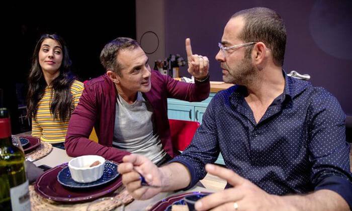 5 זרים מושלמים - כרטיסים להצגה בתיאטרון הבימה, תל אביב
