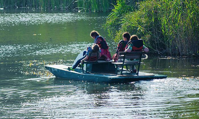 6 אגם ניצנים - כניסה למתחם עם אטרקציות לכל המשפחה