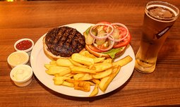 ארוחת המבורגר זוגית ב-Boost FM