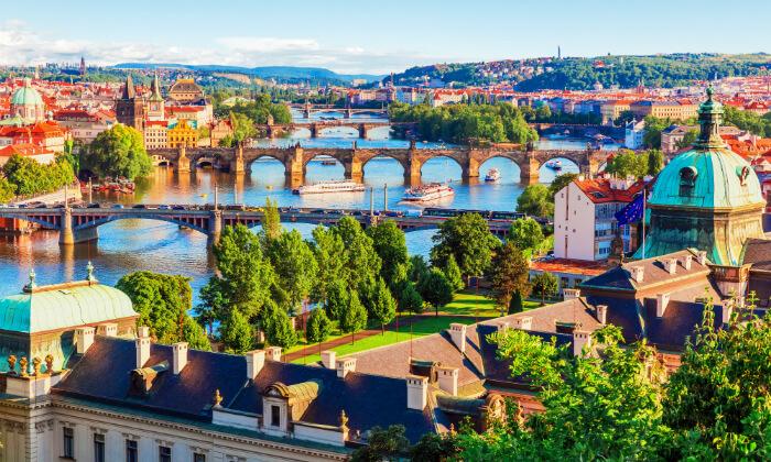 7 שייט בפראג - 3 שעות של נופים מדהימים, אווירה רומנטית וארוחת ערב טובה