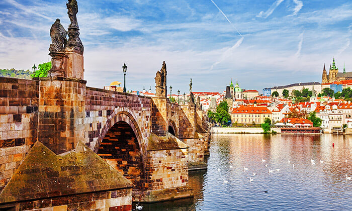 5 שייט בפראג - 3 שעות של נופים מדהימים, אווירה רומנטית וארוחת ערב טובה