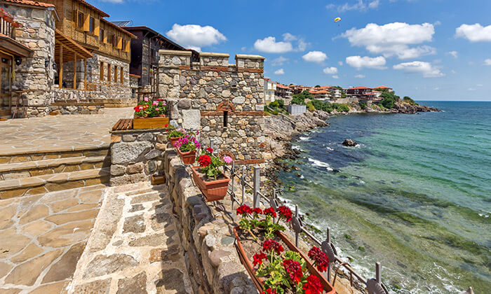 """3 קיץ בבורגס - מלון מומלץ עם קזינו על חוף הים בסאני ביץ', כולל סופ""""ש"""