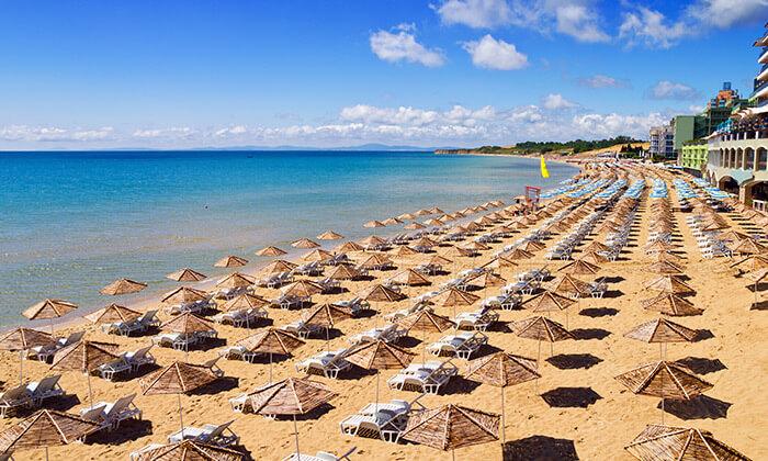 """2 קיץ בבורגס - מלון מומלץ עם קזינו על חוף הים בסאני ביץ', כולל סופ""""ש"""