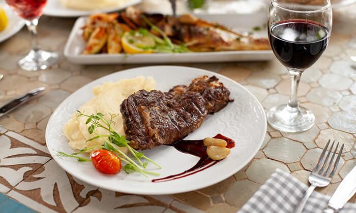 8 מסעדת מקום בלב רעננה - ארוחת בוקר או ערב