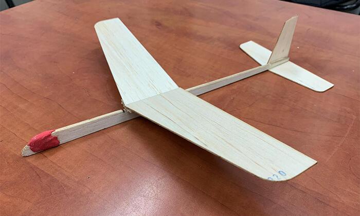 3 פעילות בניית טיסנים בפניקס תוכניות העשרה, רעננה