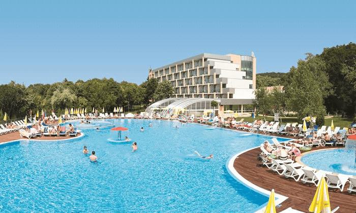 5 יוני-אוגוסט הכול כלול באלבנה, בולגריה - כולל פארק מים סמוך למלון