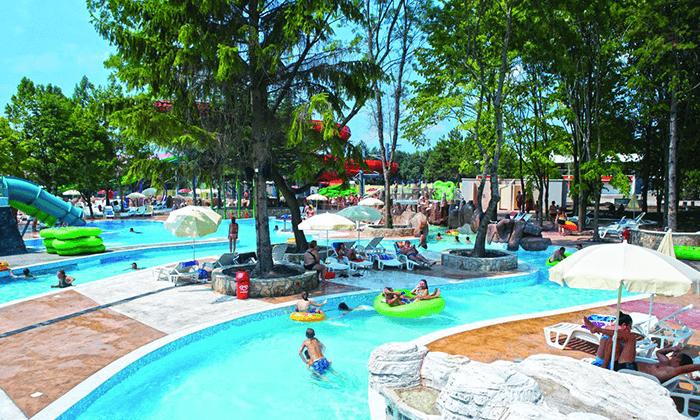 8 יוני-אוגוסט הכול כלול באלבנה, בולגריה - כולל פארק מים סמוך למלון