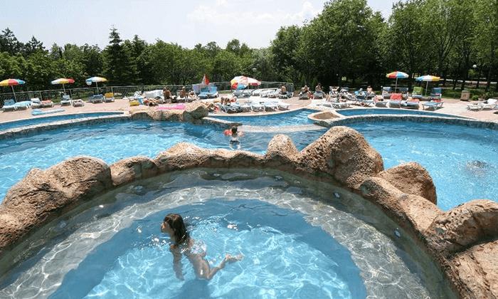 9 יוני-אוגוסט הכול כלול באלבנה, בולגריה - כולל פארק מים סמוך למלון
