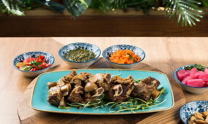 5 ארוחה זוגית בשרית במסעדת צ'ומה הכשרה בגן העיר, תל אביב