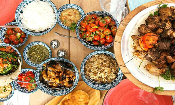 2 ארוחה זוגית בשרית במסעדת צ'ומה הכשרה בגן העיר, תל אביב