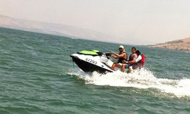 שייט זוגי על אופנוע ים