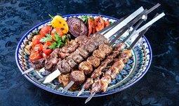 ארוחת בשרים ב'פינת השלושה'
