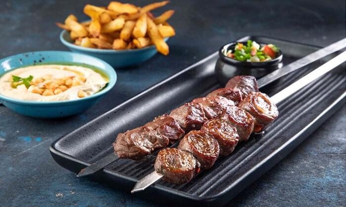 4 מסעדת פינת השלושה - ארוחת בשרים משפחתית, תל אביב