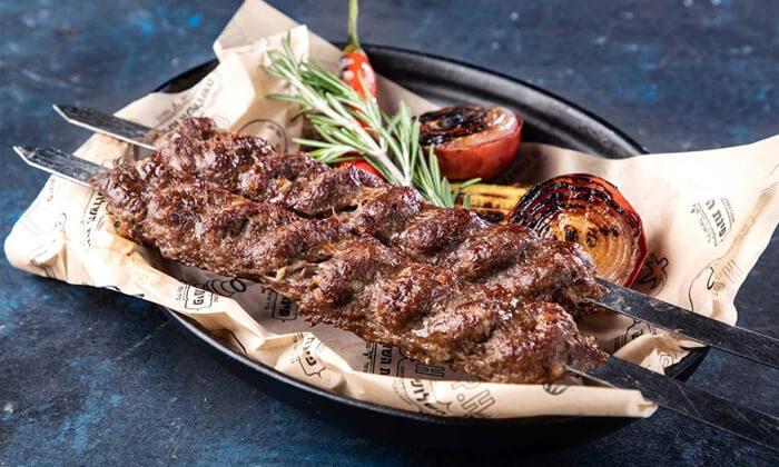 7 מסעדת פינת השלושה - ארוחת בשרים משפחתית, תל אביב