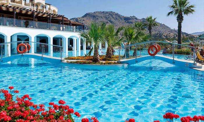 3 חופשה ברודוס במלון 5 כוכבים עם מגלשות מים - כולל פסח ושבועות
