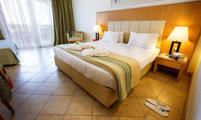 9 חופשה ברודוס במלון 5 כוכבים עם מגלשות מים - כולל פסח ושבועות
