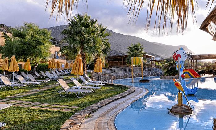 5 חופשה משפחתית בכרתים - מלון מומלץ עם פארק מים